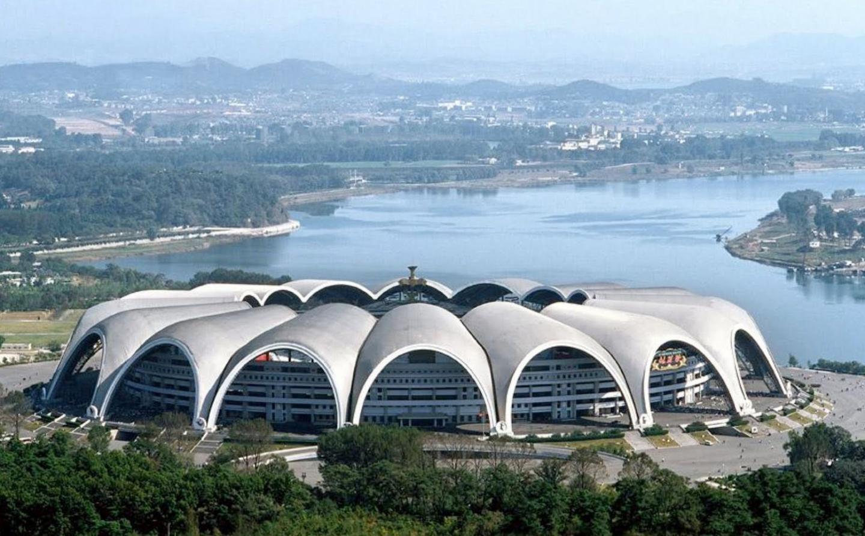 gambar 1 - rungrado may stadium pyongyang