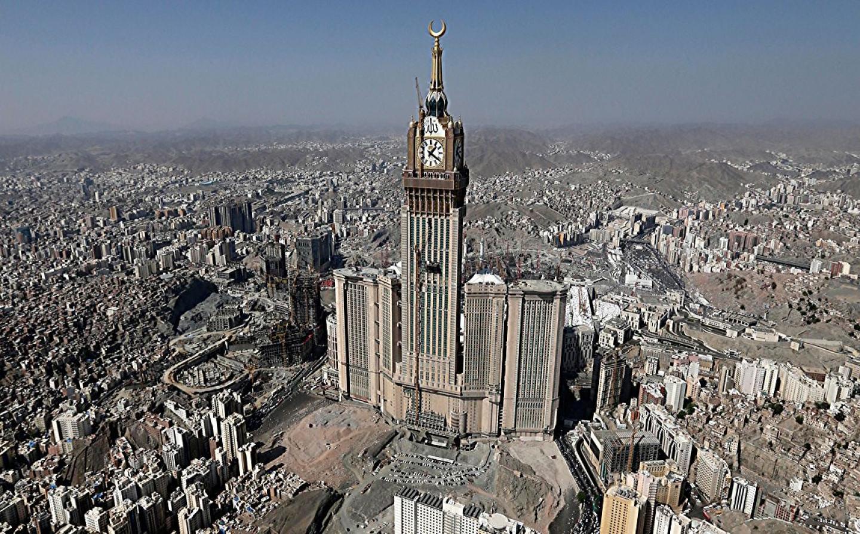 makkah royal clock tower hotel the abraj al bait towers. Black Bedroom Furniture Sets. Home Design Ideas